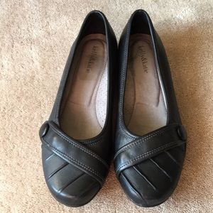 Kelly and Katie flats. Comfort sole.